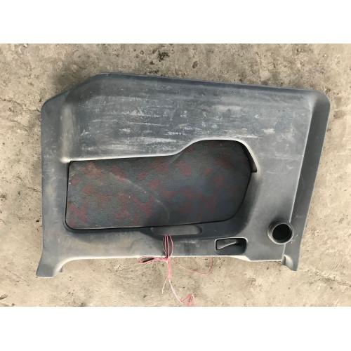 обшивка двери  R MP1 A9417200570