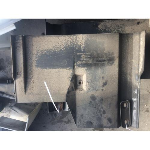 защита на кабине к подножке R MP2 A9418817301