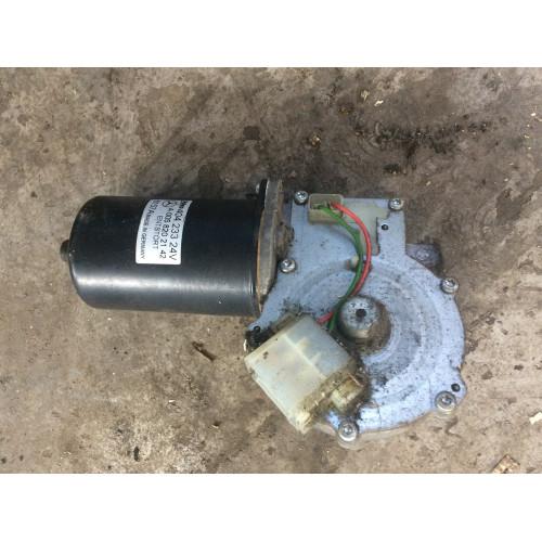 моторчик стеклочистителя MP2 A0058202142