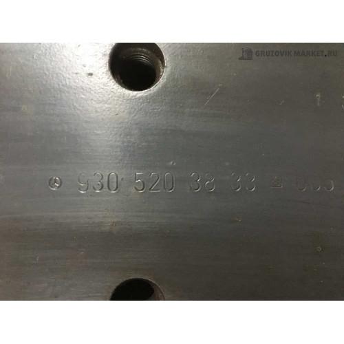 кранштеин подножки MP2 A9305203833/3733