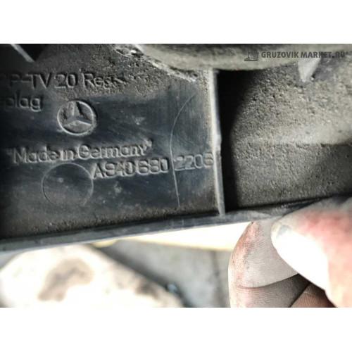 облицовка над педалью L A9406802206