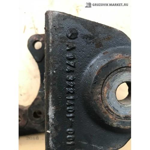 кранштеин передней рессоры A9743221401