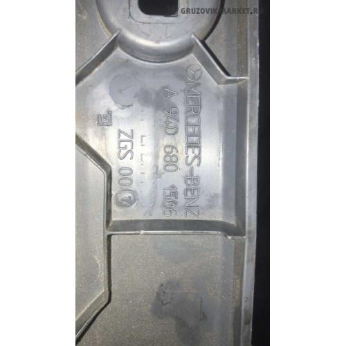 крышка блока предохранителей A9406801506