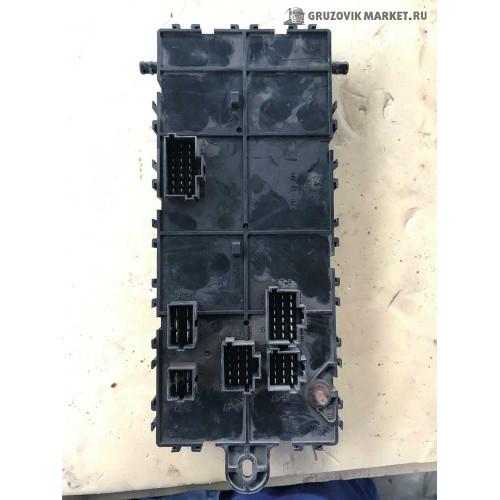 блок предохранителей A0015431015