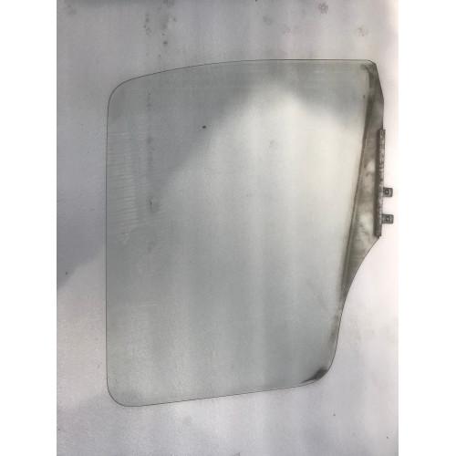 стекло боковое R A9737200418