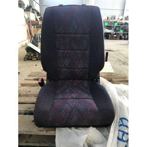 сиденье по середине A9409300201